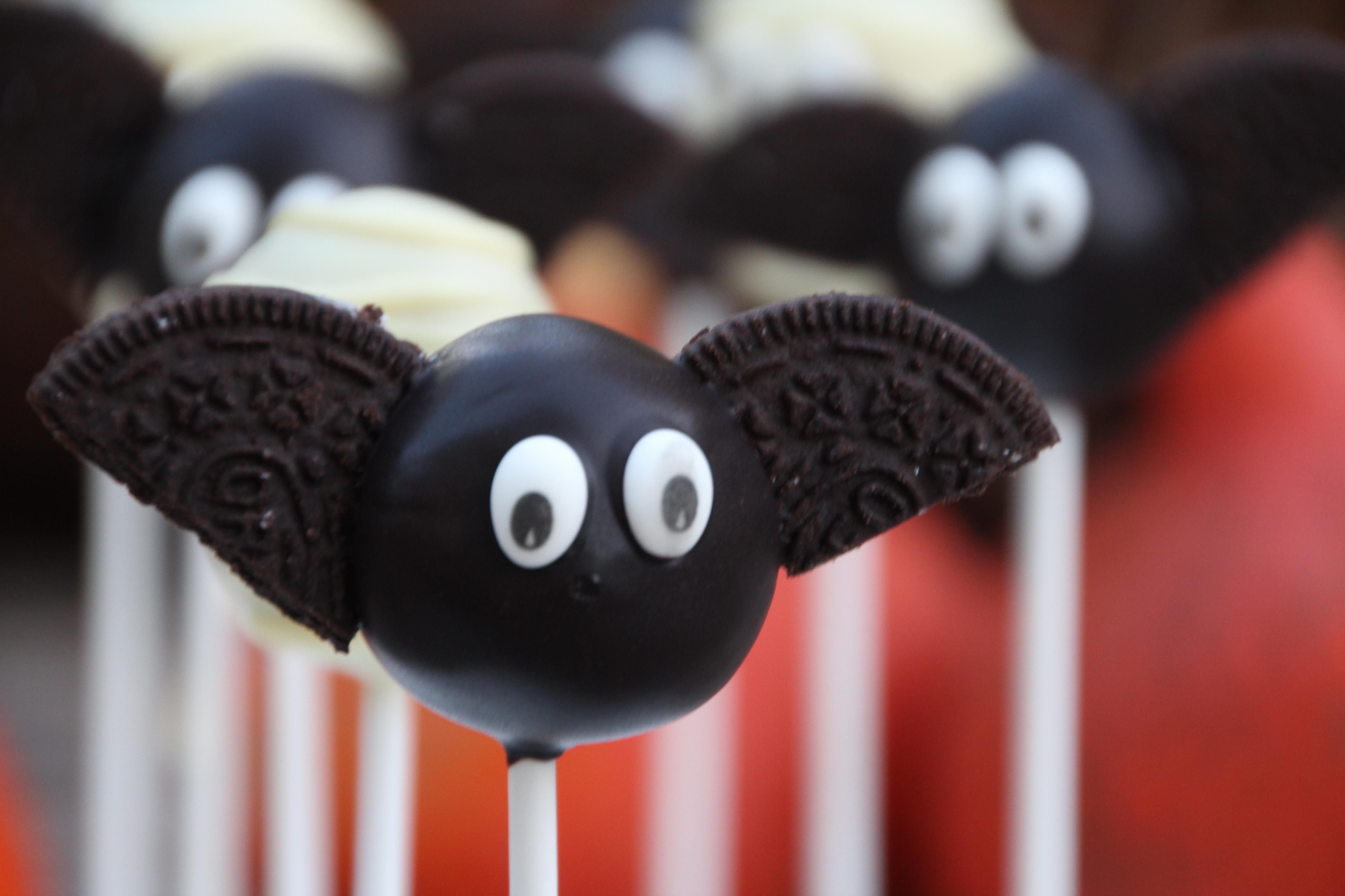 happy halloween – super süße mumien und fledermaus cake pops | hey